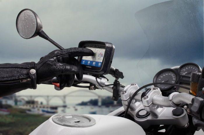 branchement GPS moto