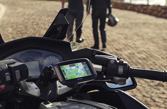 Traceur GPS Moto : quel tracker choisir pour votre deux-roues ?